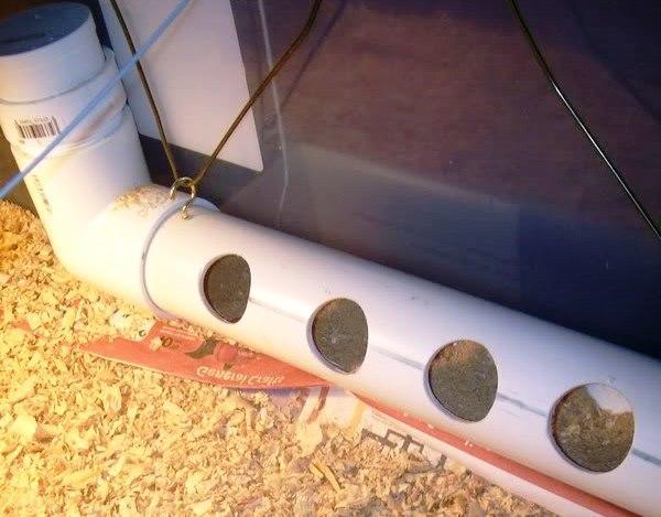 Кормушка для кур из трубы