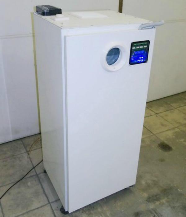 Внешний вид инкубатора из холодильника