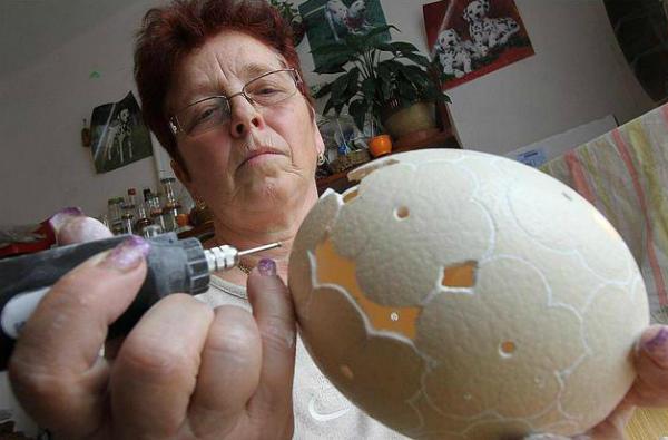 Изготовление сувенира: ажурное яйцо страуса