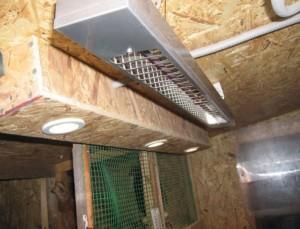 Фото потолочного обогревателя в курятнике