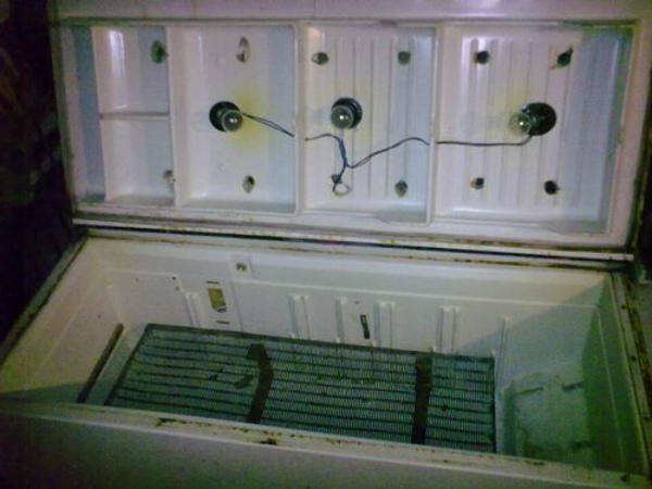 Пример горизонтального инкубатора из холодильника
