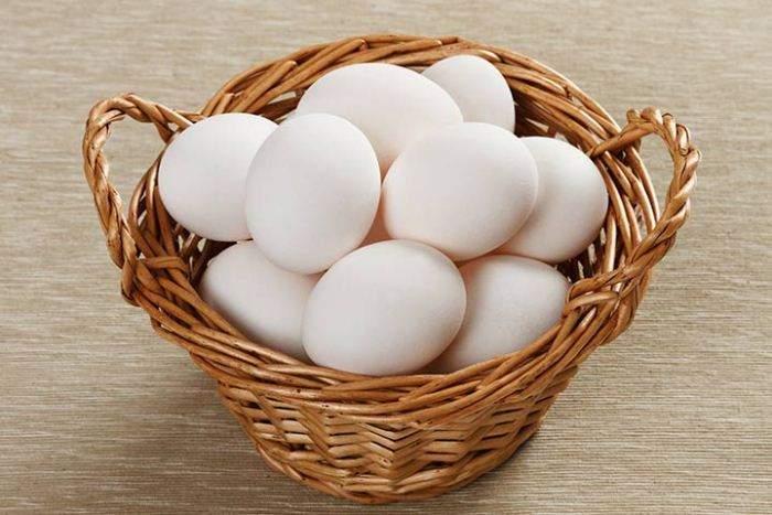 Годовой показатель яйценоскости – 170–180 яиц